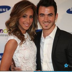 Kevin & Danielle Jonas - married to Jonas tv show love Danielle Jonas, Nick Jonas, Celebrity Couples, Celebrity Pictures, Beautiful Couple, Beautiful Women, Jonas Brothers, Gorgeous Makeup, Celebs