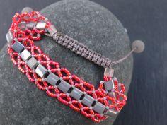 Bracelet pearls Miyuki Délicas grey and red by SaliKorn on Etsy, €29.00