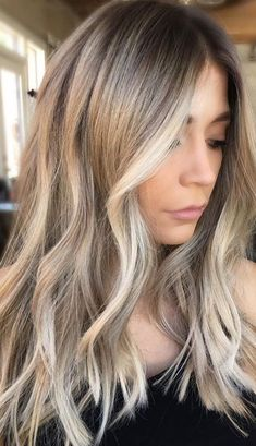 Are you going to balayage hair for the first time and know nothing about this technique? We've gathered everything you need to know about balayage, check! Sandy Blonde Hair, Blonde Hair Looks, Blonde Hair For Cool Skin Tones, Blonde For Fall, Blonde In Front, Blonde Brunette Hair, Blonde Hair With Brown Roots, Brown To Blonde Hair Before And After, Sandy Brown Hair