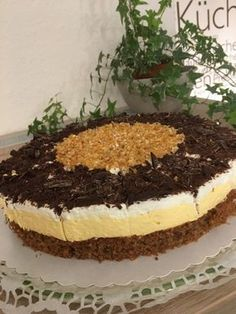 Mondschein-Torte Moonlight cake, a popular recipe from the category pies. Chip Cookie Recipe, Chip Cookies, Cookie Recipes, Dessert Recipes, Healthy Potato Recipes, Healthy Desserts, Red Wine Gravy, Flaky Pastry, Mince Pies