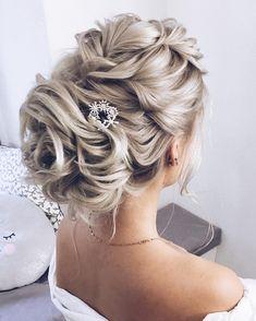 wedding updo,bridal hairstyles,hairstyles,wedding hairstyles,updo hairstyles #weddinghairstyles