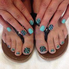 It's wild I know. To be in style fo sho. It's been awhile, I know. But still queen down this isle.... Ohhh no....!!! 😎👸 #stillgotit… Summer Nail Polish, Summer Nails, Hot Nails, Hair And Nails, Toe Nail Art, Acrylic Nails, Pretty Toe Nails, Manicure Y Pedicure, Nagel Gel
