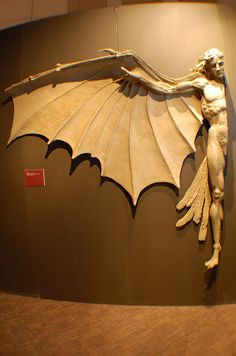 Da Vinci Exhibit - Hybrid, sculpture based on Da Vinci's drawings. Recomendado por www.decorarconarte.com