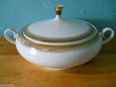 Vintage Johann Seltmann Bavaria Porcelain Round Covered Vegetable Dish