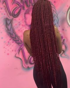 Most up-to-date Photos videos afro 𝐢𝐧𝐬𝐭𝐚𝐠𝐫𝐚𝐦: Suggestions Braids are likely one of many earliest hairstyles which have been changed in various ways. Box Braids Hairstyles, Red Weave Hairstyles, Braided Hairstyles For Black Women, Senegalese Twist Hairstyles, Braids For Black Hair, Girl Hairstyles, Braids With Weave, Twist Braids, Afro Braids
