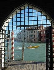 Water entrance at Ca' Foscari via http://europeforvisitors.com/venice/articles/ca-foscari-tours-photos.htm
