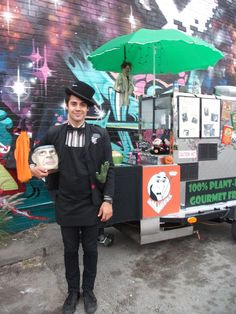 Quirky characters are one part of what makes the #foodtruck movement so great.