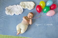 These monthly pictures are awesome. I have only managed to take Aurora's 3 & 6 month photos and those were without props! One Month Baby, Babies First Year, Foto Newborn, Baby Boy Newborn, Newborn Care, Baby Girls, Newborn Pictures, Baby Pictures, Book Bebe