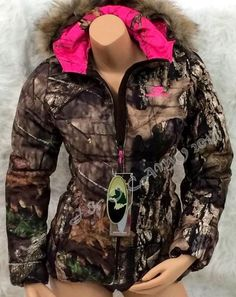 NEW Mossy Oak Womens HOT PINK Camo Fur Hood Insulated Bubble Jacket S M L XL 2XL #MossyOak #Puffer