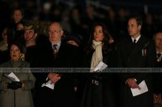 The Governor-General has turned up at the dawn service with some royal house guests @GuardianAus pic.twitter.com/vIkOXsZN0l