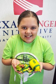 This is so sweet! After overhearing her dad talking with Baylor's Texas Hunger Initiative director about the challenges of poverty and hunger among children in the U.S., Miriam decided to do something about it. She hand-made made dozens of bracelets, key chains, etc., and raised more than $200 for THI! #SicEm