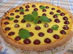 Linecký koláč s tvarohem a třešněmi