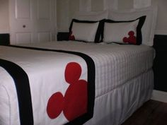 Hotel Style Mickey Mouse Bed Scarf/Runner Set w/European Shams and Pillows Mickey Mouse Quilt, Mickey Mouse House, Mickey Ears, Disney Quilt, Disney Furniture, Disney Bedrooms, Bed Scarf, Disney Home Decor, Bed Runner