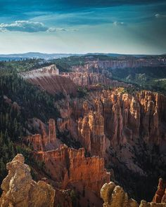 Bryce Canyon National Park is one of the most unique parks in the United States, since it's house to a large focus of vivid hoodoos (stone pillars). The park itself is reasonably little so yo… Arches Nationalpark, Yellowstone Nationalpark, Mammoth Cave, North Cascades, Bryce Canyon, Great Smoky Mountains, Death Valley, Crater Lake, Wyoming