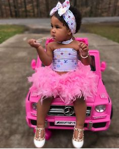 Most Fashionable Baby Girls and Boys Cute Black Kids, Black Baby Girls, Cute Little Girls Outfits, Kids Outfits Girls, Cute Kids Fashion, Baby Girl Fashion, Cute Mixed Babies, Outfits Niños, Cute Baby Videos