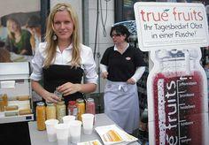 True Fruits. Eine deutschlandweite Verkostungs-Aktion am POS für für den Smoothie Hersteller aus Bonn. Die Kampagne läuft bereits seit 2008.