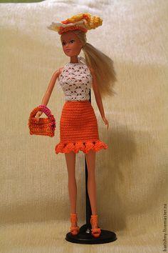 Солнечное Барби – купить или заказать в интернет-магазине на Ярмарке Мастеров | Одежда для Барби связана из хлопчатобумажной… Barbie Song, Barbie Dress, Fashion Dolls, Fashion Outfits, Crochet Barbie Clothes, Barbie Patterns, Diy Dress, Crochet Fashion, Diy Clothes
