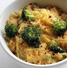 Mac and cheese spaghetti squash