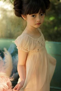 少年、少女 a meat smoker - Smoker Cooking Peach Flower Girl Dress, Flower Girl Dresses, Flower Girls, Moda Kids, We Are The World, Mori Girl, Kid Styles, Little Princess, Princess Leia