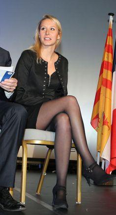 Marion Marechal Le Pen à Nice le 27 novembre 2015 Marion Marechal, Schmidt, Marine Le Pen, 4 Year Old Girl, Fishnet Leggings, Clash Royale, Lovely Legs, Sexy Skirt, Tights