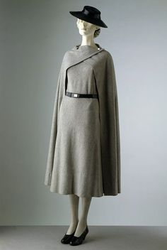 Day dress Place of origin: Paris, France Date: 1933 Artist/Maker: Vionnet Materials and Techniques: Woollen jersey, felt, chrome and leather Museum number: T.302&A, I, F-1971   V&A