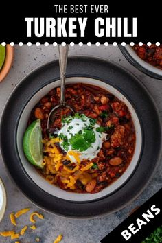 The Best Turkey Chili Ever! This is seriously the best turkey chili recipe you will ever make! Hearty but lean, a bowl of this healthy chili recipe will warm you up without piling on the calories. Make a big batch and freeze some so you can have chili whenever you need a soul-soothing meal! This easy chili recipe is perfect for the whole family! | www.oliviascuisine.com | #chili #turkeychili #freezermeal #dinnerrecipe Chili Recipes, Turkey Recipes, Fall Recipes, Dinner Recipes, Healthy Chili, Healthy Soup, Fall Meals, Best Turkey, Turkey Chili