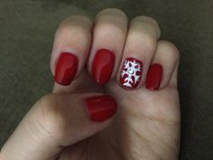 It's beginning to look a lot like Christmas with this nail art by Kariann!