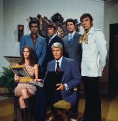 first picturable travel of my embarrassing love Spy Shows, Old Tv Shows, Classic Movie Stars, Classic Tv, Mission Impossible Tv Series, Mejores Series Tv, New Television, Actor James, Leonard Nimoy