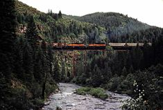 Railroad Photography, Art Photography, Beach Vacation Outfits, Milwaukee Road, Railroad Pictures, Train Pictures, Model Train Layouts, Train Travel, Model Trains