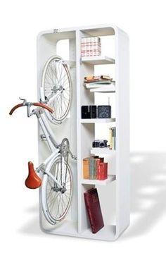 """E achei uma ideia muito bacana! Se a bike faz parte do seu estilo de vida, por que não unir o útil ao agradável e """"guardá-la"""" bacanérrima como parte da decoração da sua casa?"""