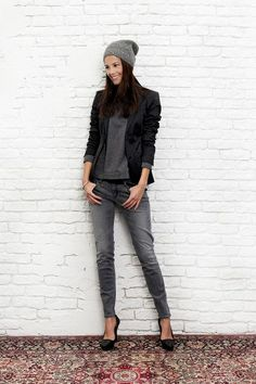 Beanie and blazer Mode Outfits, Fashion Outfits, Style Wish, My Style, Modest Wear, Look Fashion, Fashion Design, Types Of Fashion Styles, Trends