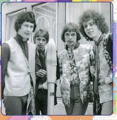 Tomorrow 1967 - Keith West, John (Junior) Wood,Steve Howe, and John (Twink) Alder.