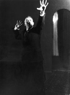 Los ensayos de oratoria de Adolf Hitler