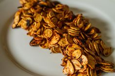 Sweet New Mexico Red Chile Pumpkin Seeds Mexican Food Recipes, Snack Recipes, Snacks, Ethnic Recipes, Pumkin Seeds, Mexico Food, New Mexican, Learn To Cook, Pumpkin Recipes