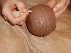 Decorating a Bronze Age pot - Blog about historical pottery