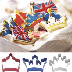 Crown biscuit cutter set - cookies to eat while watching the Olympics. Galletas Cookies, Iced Cookies, Cupcake Cookies, Sugar Cookies, Cupcakes, Crown Cookies, British Party, Shortbread Recipes, Themed Cakes