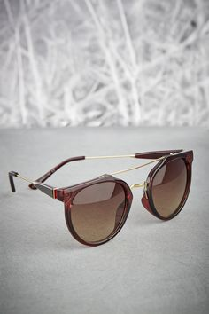 Sunglasses | Brown Shades | Metal Bridge Sunglasses | Brown and Gold | Fashion Accessory | Style Fiesta