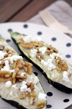 Gefüllte Zucchini mit Quinoa, Walnüssen und Feta
