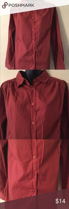 """ROAMANS RUST PAPRIKA CINNAMON SHIRT MEDIUM FITS 14 This is a gorgeous top by roamans! It is a beautiful rust color. It has 8 buttons down the front. It is size medium and measures bust 46"""" waist 44"""" total length 28"""" sleeves 22 1/2"""". This was worn once and in excellent condition.   CBL Roaman's Tops Button Down Shirts"""