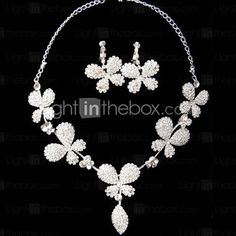 Silver Rhinestone Two Piece Ladies' Clover Design Wedding Jewelry Set (45 cm)