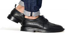 ロールアップのやり方は無限大!種類別に注目の着こなし事例を紹介   OTOKOMAE / 男前研究所 Tap Shoes, Dance Shoes, Bohemia Style, Herren Outfit, Stylish Outfits, Doc Martens Oxfords, All Black Sneakers, Oxford Shoes, Men Casual