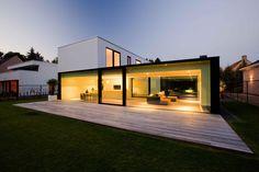 moderne strakke minimalistische woning crepi grote ramen brecht icoon.be architecten brasschaat - Icoon