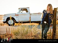 country girl senior portraits with natural light (3)