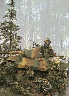 Моделистам посвящается. Military Diorama, Military Art, German Soldiers Ww2, Military Action Figures, Tiger Tank, Model Hobbies, Model Tanks, Ardennes, Armored Fighting Vehicle