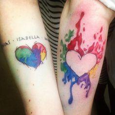 deux cœurs colorés qui se complètent