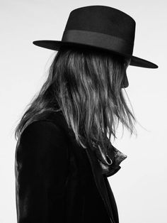 Saint-Laurent-2016-Fall-Winter-Mens-Collection-Look-Book-001