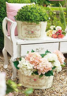 Shabby Chic Decor - A brilliant info on chic decor tips plus steps. This pin example note 2260058800 filed in category simple shabby chic decor, and pinned on 20190121 Patio Shabby Chic, Shabby Chic Terrasse, Jardin Style Shabby Chic, Cottage Shabby Chic, Shabby Chic Mode, Shabby Chic Vintage, Shabby Chic Furniture, Shabby Chic Decor, Cottage Style
