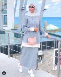 Beautiful fall hijab trends - Just Trendy Girls Modern Hijab Fashion, Abaya Fashion, Muslim Fashion, Skirt Fashion, Fashion Outfits, Women's Fashion, Mode Abaya, Iranian Women Fashion, Hijab Trends