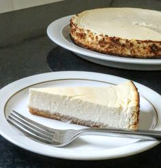 Slimming World New York Style Cheesecake - Serves 8 - Tastefully Vikkie Slimming World Cheesecake, Slimming World Cake, Slimming World Desserts, Healthy Cheesecake, Cheesecake Recipes, Homemade Cheesecake, Healthy Eating