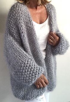 49 Trendy Ideas For Crochet Cardigan Outfit Scarfs Knitwear Fashion, Knit Fashion, Fashion Outfits, Crochet Hooded Scarf, Knit Crochet, Mohair Sweater, Knit Cardigan, Chunky Cardigan, Sweater Jacket